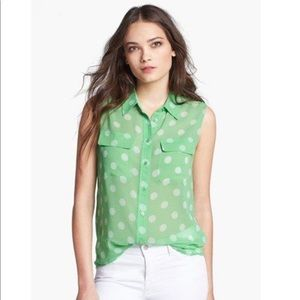 Equipment sleeveless signature Irish green dot top